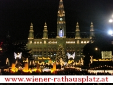 Christkindelmarkt am Rathausplatz in Wien
